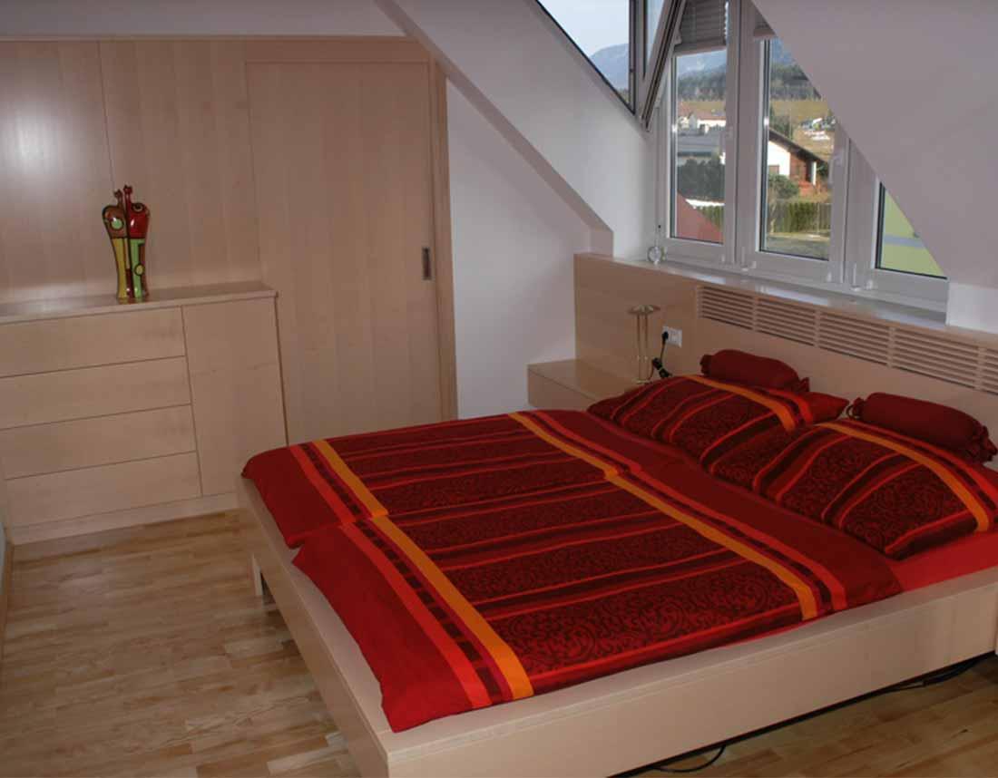 Erschen - Design & Möbeltischlerei | Schlafzimmer in Ahorn
