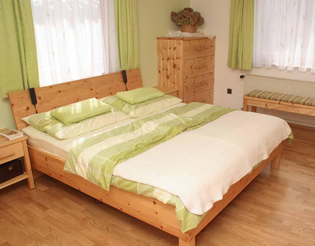 Erschen - Design & Möbeltischlerei | Schlafzimmer in Zirbe